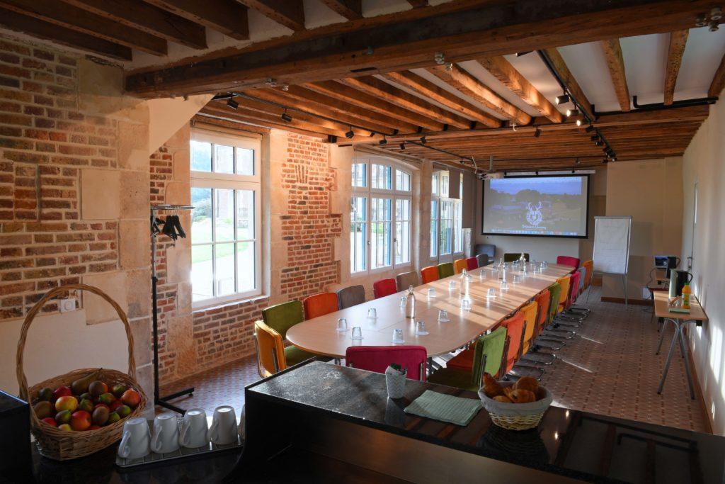 salle de séminaire, salle de réunion, salle de réception, proche CDG, Paris, au vert, calme, avec de l'espace